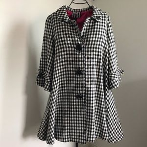 Forever 21 houndstooth swing coat size L